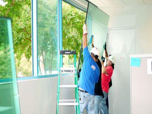 Dịch vụ sửa cửa kính, sửa chữa cửa kính cường lực giá rẻ hcm